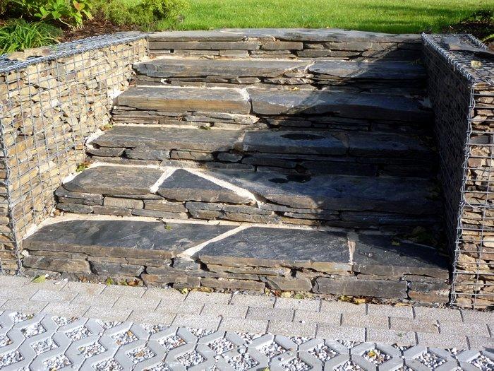 Přírodní schody a šlapáky  BAREVNÉ ZAHRADY – návrhy a realizace přírodní zahrady